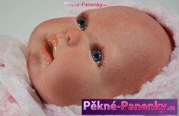 Reborn realistická panenka Arias® Mies růžová s kabátkem 45 cm