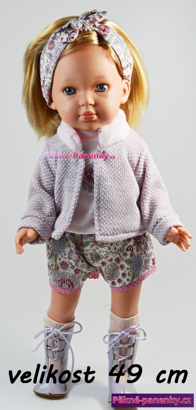 velká realistická panenka s vlasy